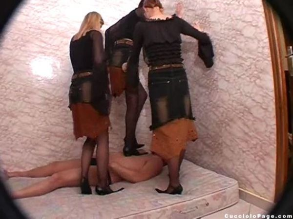 High Heeled Execution (Insane) - CUCCIOLOPAGE - SD/428p/MP4