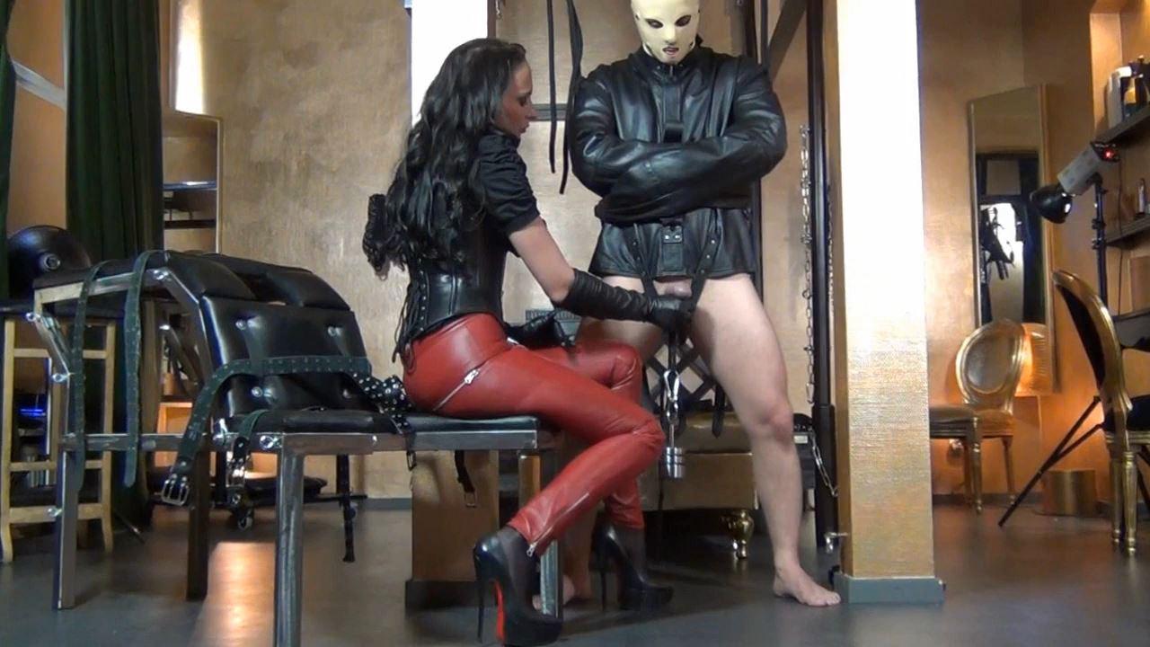 Fetish Diva Nadja In Scene: The cooled slave pig Part 2 - FETISH-DIVA-NADJA - HD/720p/MP4