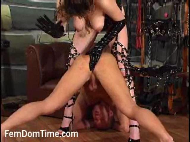 Mistress Eleanora In Scene: Dog Training - FEMDOMTIME - SD/480p/MP4
