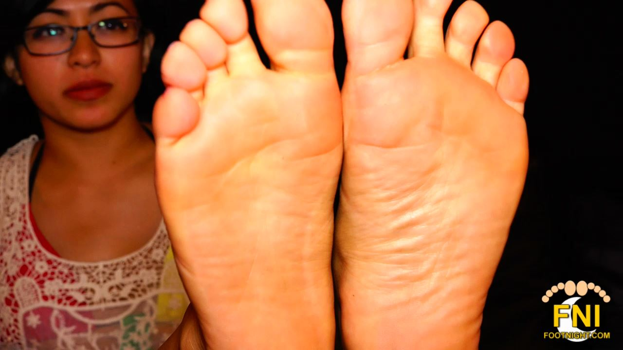 Sadie Sprite In Scene: Little Feet Up Close - FOOTNIGHT - HD/720p/MP4