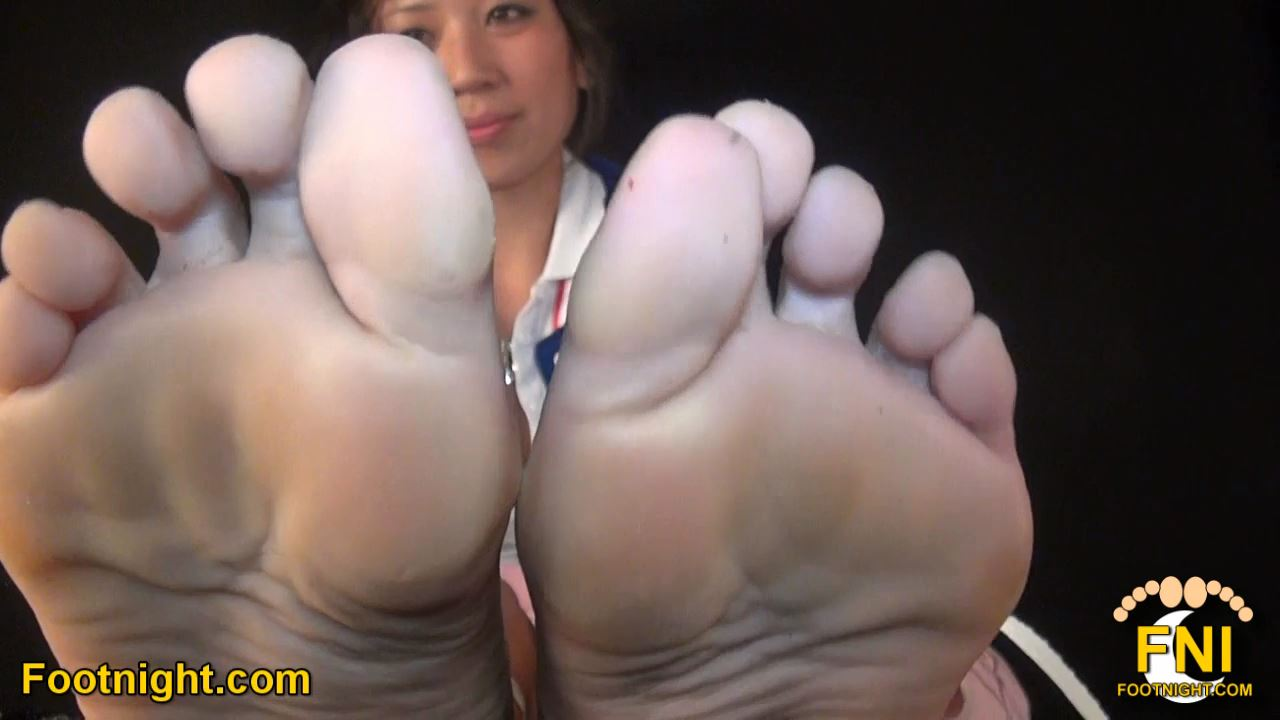 Goddess Lucy In Scene: Lucy's Sensational Smelly Asian Feet - FOOTNIGHT - HD/720p/MP4