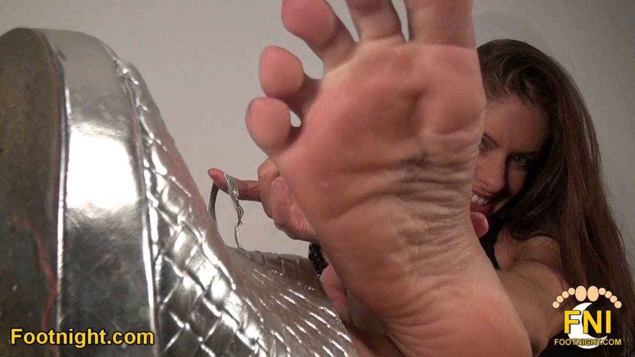 Skylar Rene In Scene: Enjoy these incredible feet up close - FOOTNIGHT - HD/720p/MP4