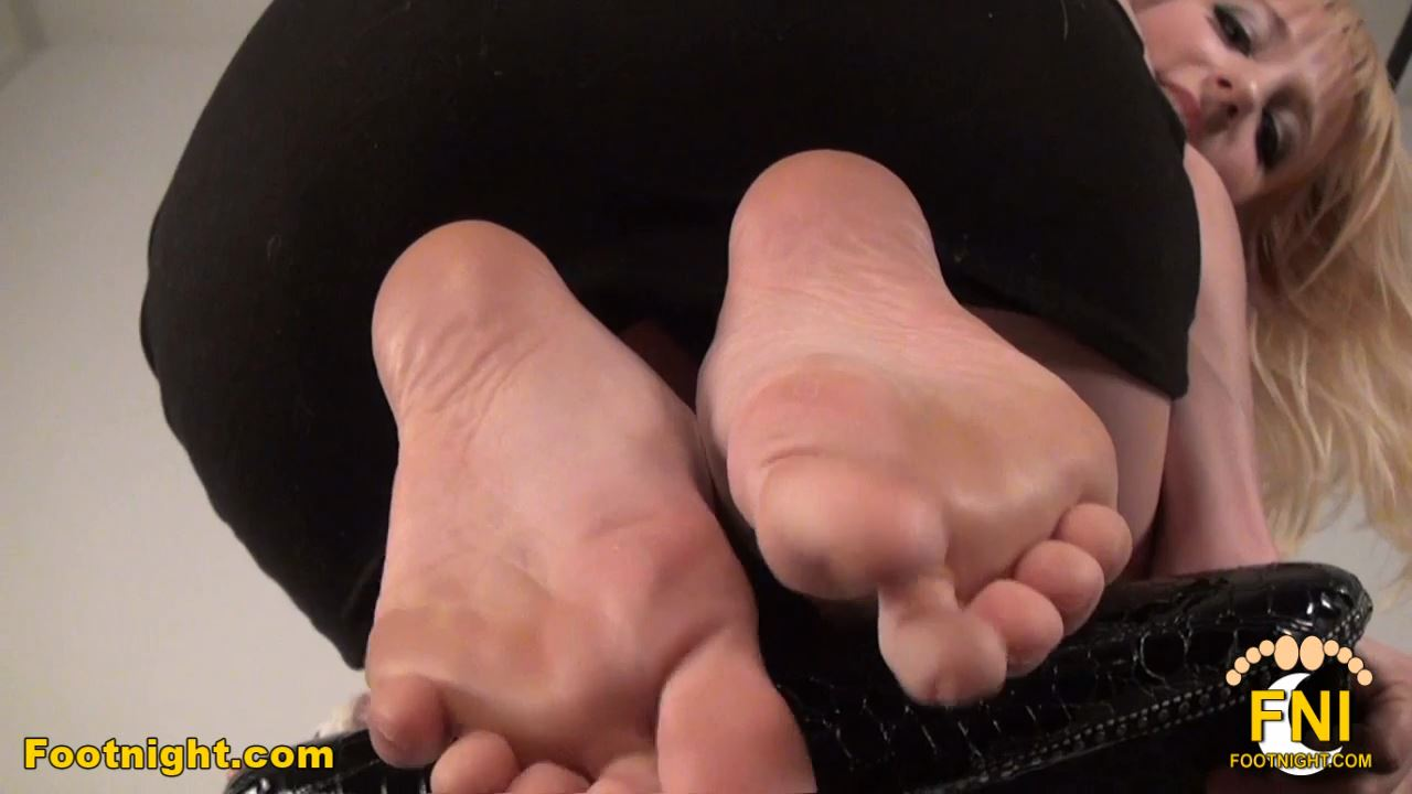 Ashley Jane In Scene: Toes in your face - FOOTNIGHT - HD/720p/MP4