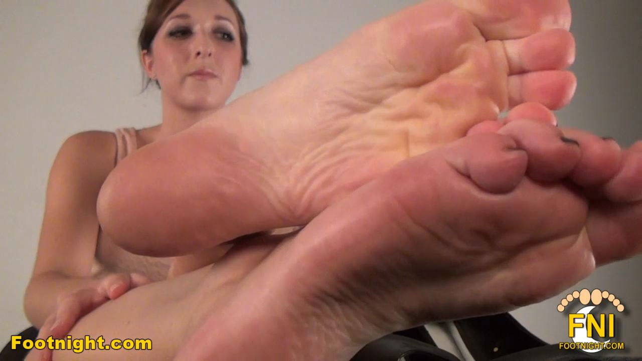 Dara's Sensationally Soft, Silky Soles and Toes - FOOTNIGHT - HD/720p/MP4