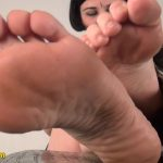 elina Minx In Scene: The amazing high-arched, flexible feet – FOOTNIGHT – HD/720p/MP4