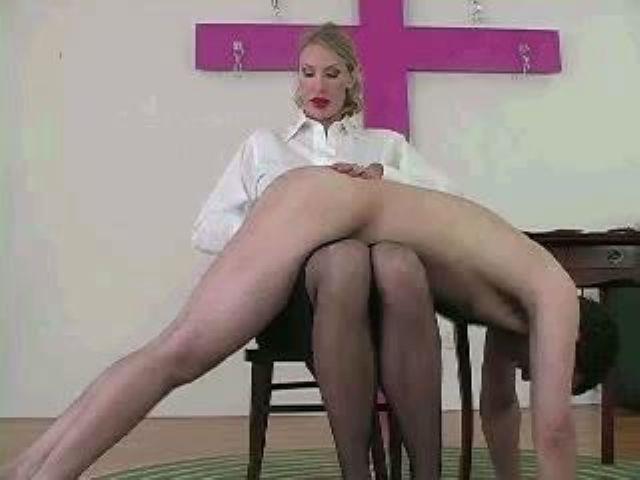 Black mistress ballbusting