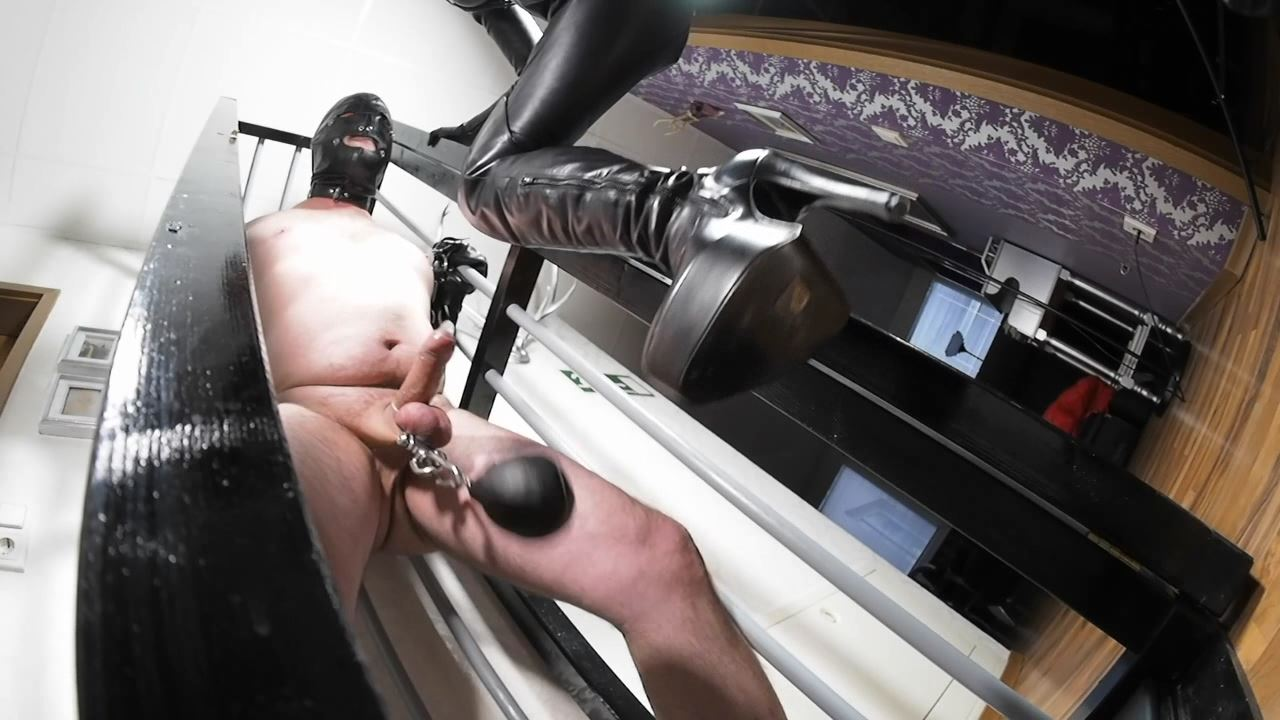 Lady Victoria Valente In Scene: Heavy CBT and face slapping in the cage - CLIPS4SALE / LADYVICTORIAVALENTE / REAL GERMAN MISTRESS - HD/720p/MP4