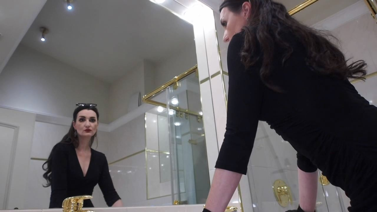 Lady Victoria Valente In Scene: Loud High Heels steps Bathroom - CLIPS4SALE / LADYVICTORIAVALENTE / REAL GERMAN MISTRESS - HD/720p/MP4