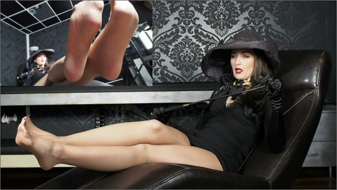 Lady Victoria Valente In Scene: Lick my mules and kiss my feet! POV - CLIPS4SALE / LADYVICTORIAVALENTE / REAL GERMAN MISTRESS - HD/720p/MP4
