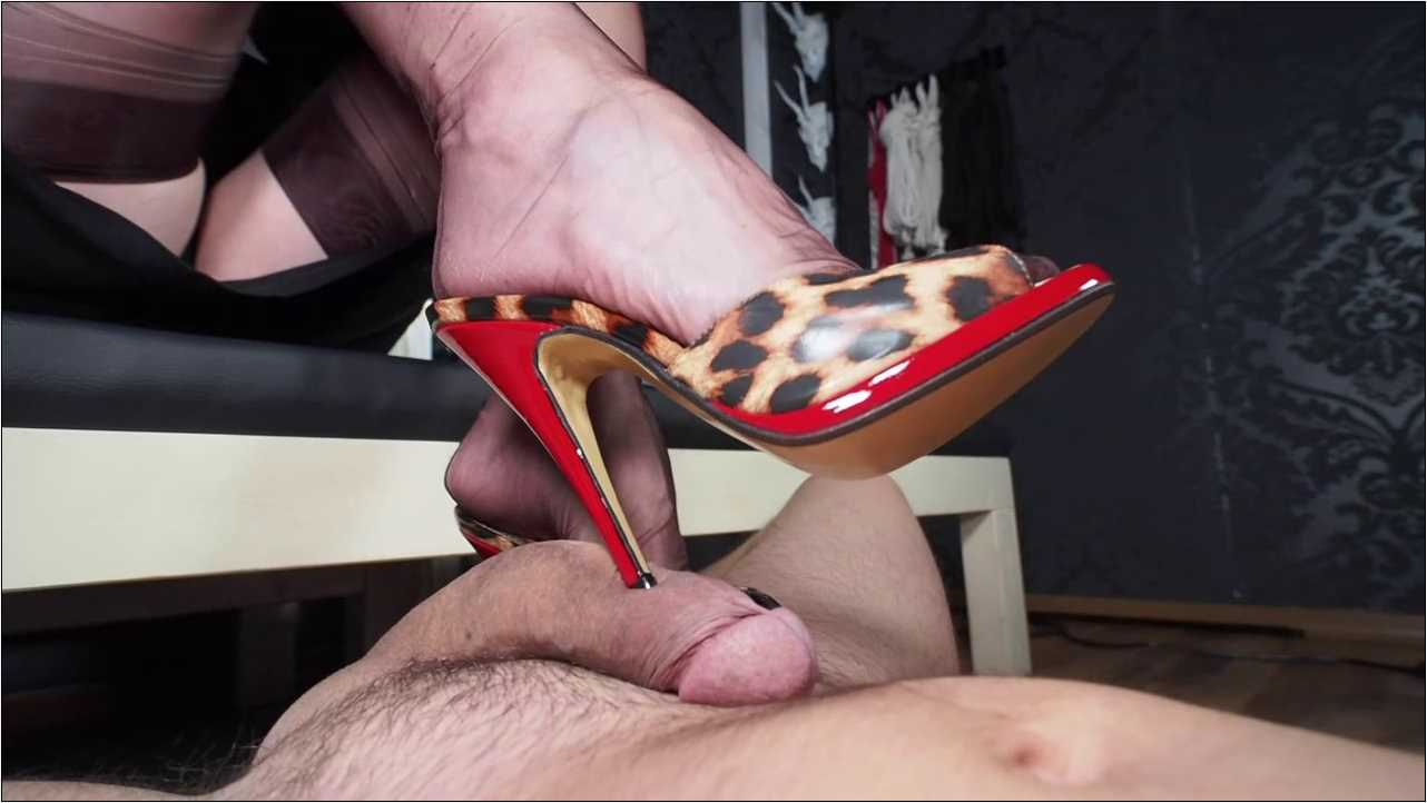 Lady Victoria Valente In Scene: Splitscreen Special Handjob cum feeding - CLIPS4SALE / LADYVICTORIAVALENTE / REAL GERMAN MISTRESS - HD/720p/MP4