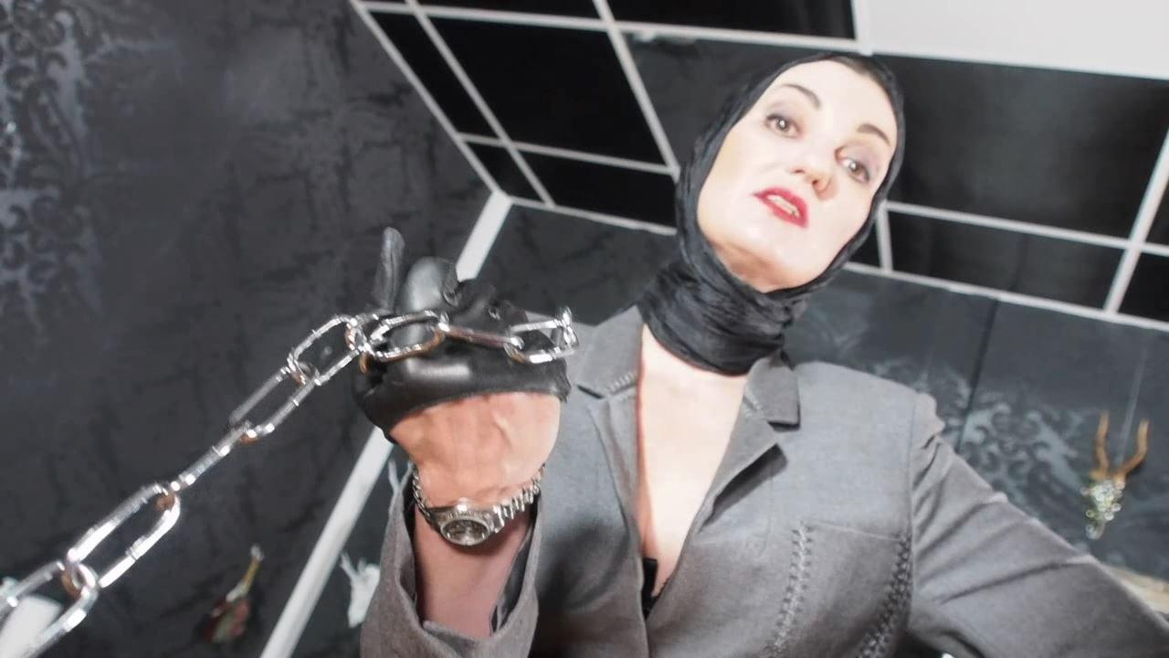 Lady Victoria Valente In Scene: POV Follow me on a chain leash - CLIPS4SALE / LADYVICTORIAVALENTE / REAL GERMAN MISTRESS - HD/720p/MP4