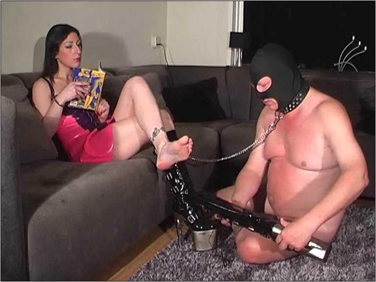 Mistress Anita Divina In Scene: PERSONAL WORSHIPPER - MISTRESSANITADIVINA - SD/576p/MP4