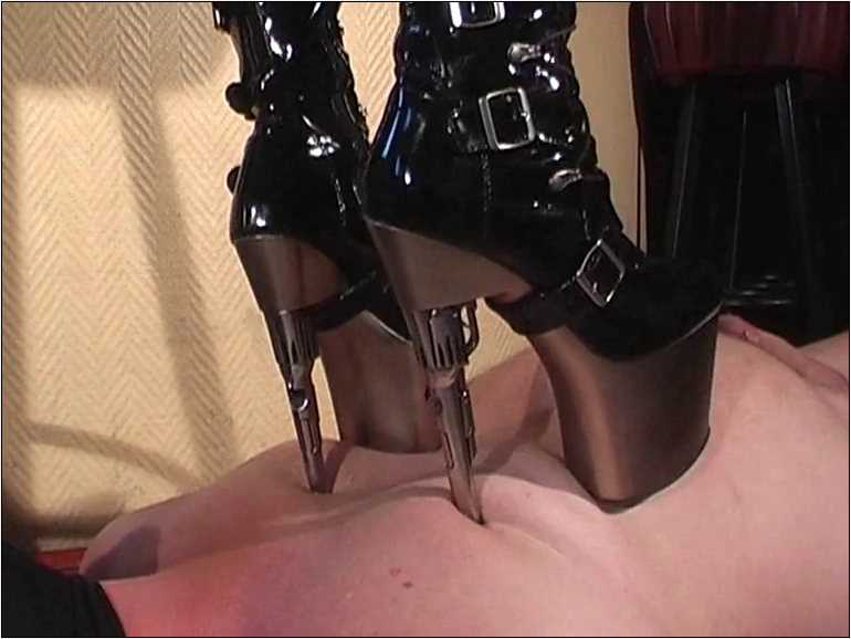 Mistress Anita Divina In Scene: SHUT UP & TAKE THE PAIN, CARPET - MISTRESSANITADIVINA - SD/576p/MP4