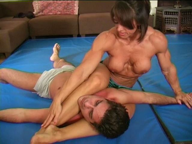 Ripped Squeeze - STEVEWRESTLINGADVENTURES - SD/480p/MP4