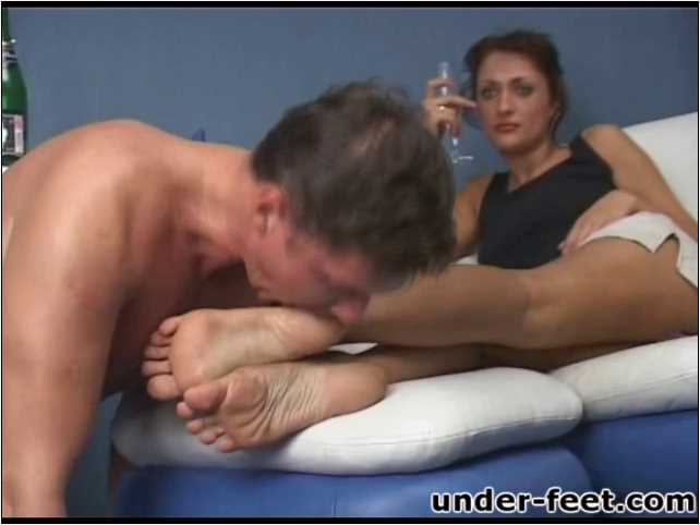 Alsu Foot femdom session from 26 of May 2006 - UNDER-FEET - SD/480p/MP4
