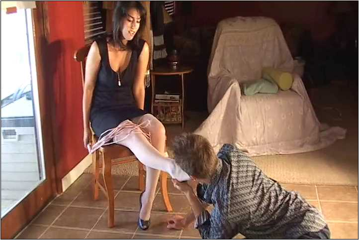 Mistress Gina In Scene: Slave is allowed to worship beautiful Gina's sexy feet in stocking - VIOLENTCHICKS - SD/480p/MP4