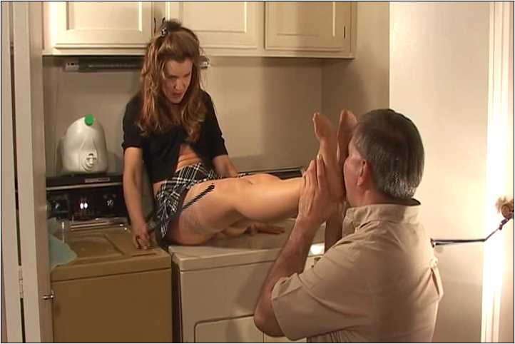 Mistress Brandi In Scene: Brandi makes the slave clean her shoes with his tongue - VIOLENTCHICKS - SD/480p/MP4