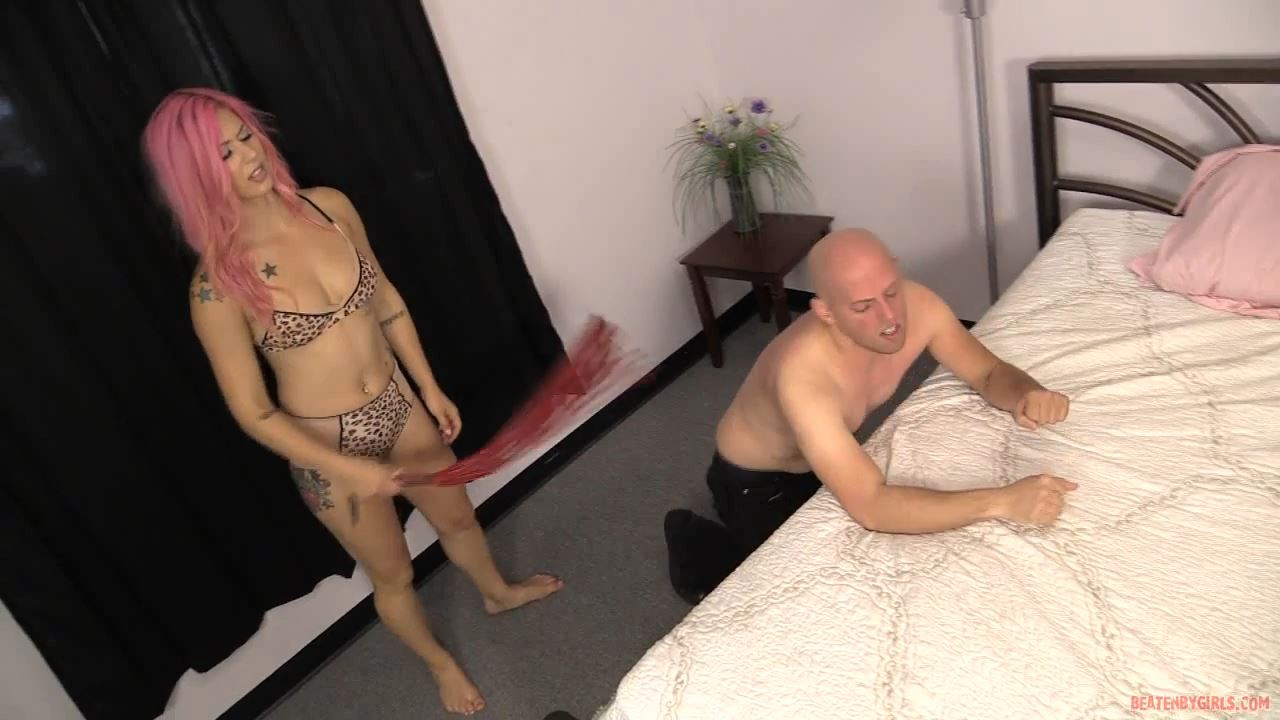 Brutal whipping of a slave by gorgeous Mistress Annallee Belle - BEATENBYGIRLS - HD/720p/MP4