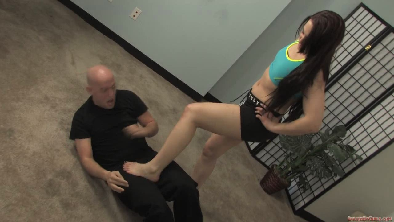 Dante comes asking for fighting lessons - BEATENBYGIRLS - HD/720p/MP4