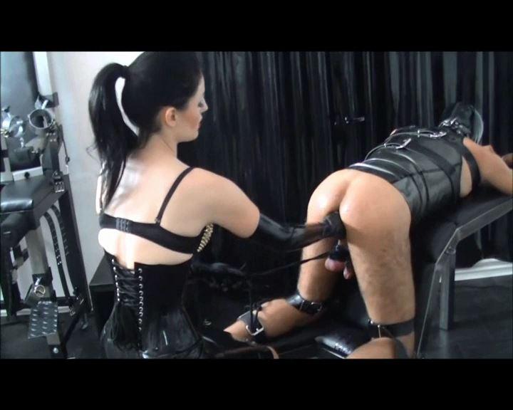 Mistress Blackdiamoond In Scene: Testicles Tied And Wanked - BLACKDIAMOOND - SD/576p/MP4