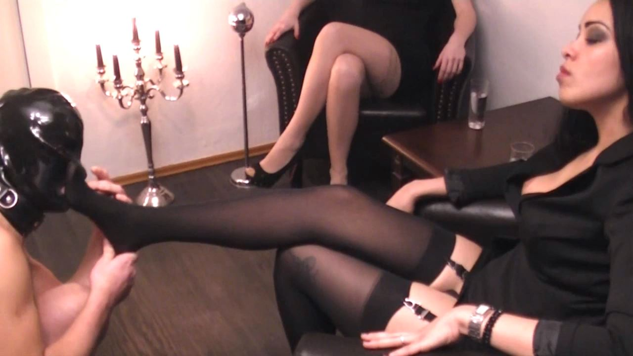 Mistress Blackdiamoond In Scene: Mistress In Nylons - BLACKDIAMOOND - HD/720p/MP4