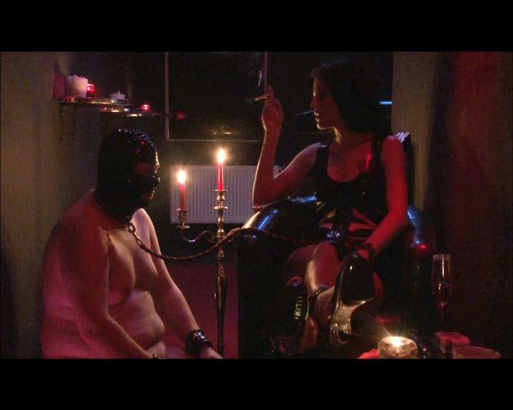 Mistress Blackdiamoond In Scene: Smoke Queen - BLACKDIAMOOND - SD/576p/MP4
