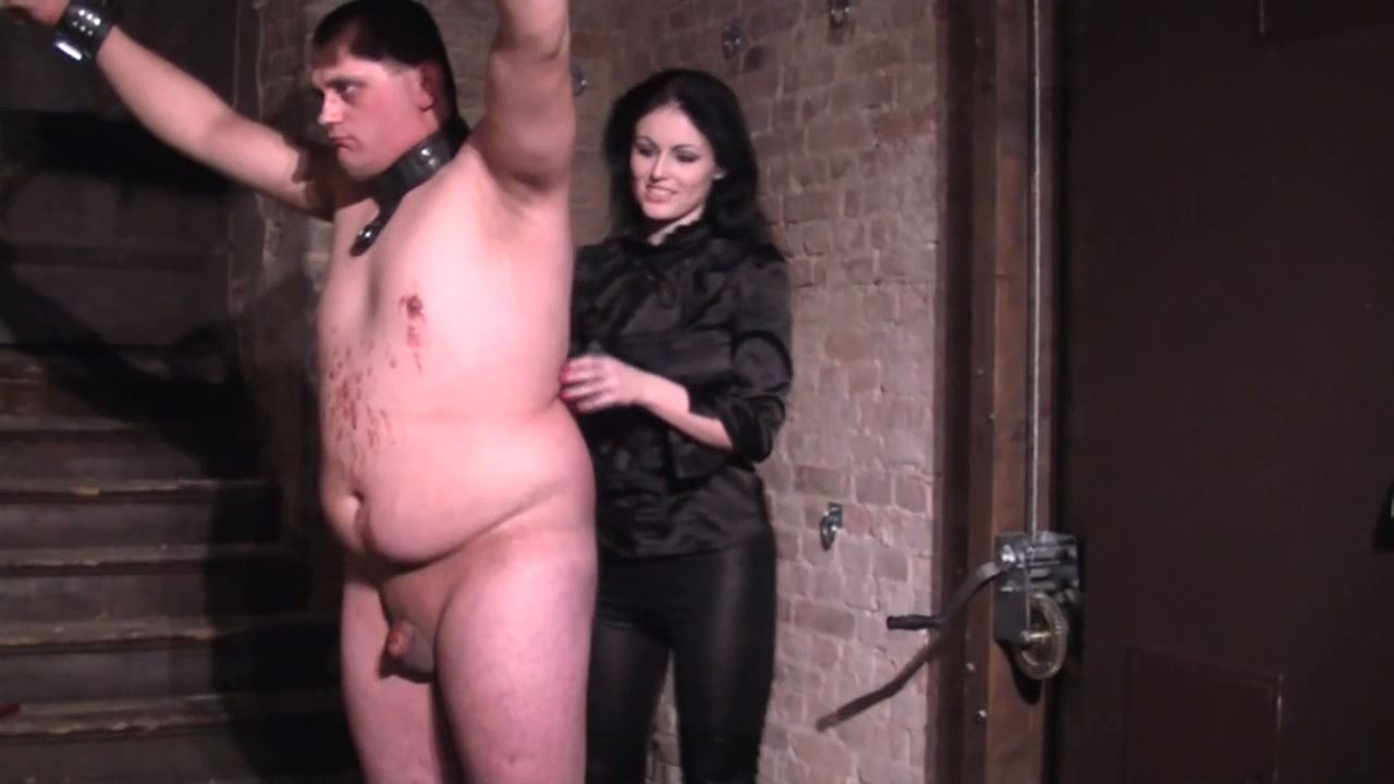 Mistress Blackdiamoond In Scene: Faceslapping In The Dungeon Hd - BLACKDIAMOOND - HD/720p/MP4