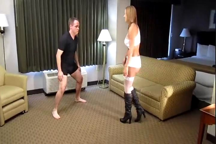Princess Evelyn Milano In Scene: Evelyn Milano Bashes Some Balls - CRUDELIS AMATOR BALLBUSTING FETISH - SD/480p/MP4