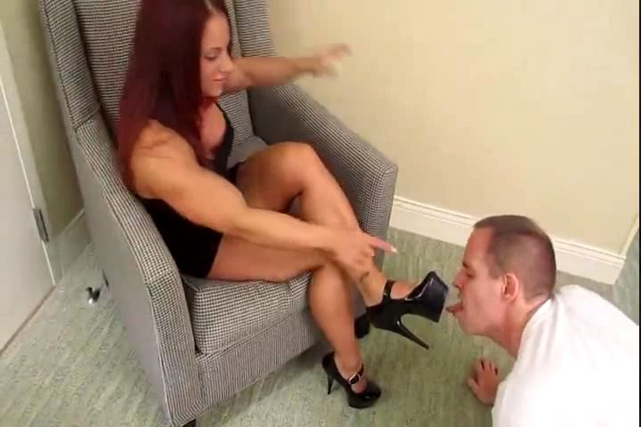 Mistress MzDevious In Scene: MzDevious' Tiny Feet Prove To Be Too Much - CRUDELIS AMATOR BALLBUSTING FETISH - SD/480p/MP4