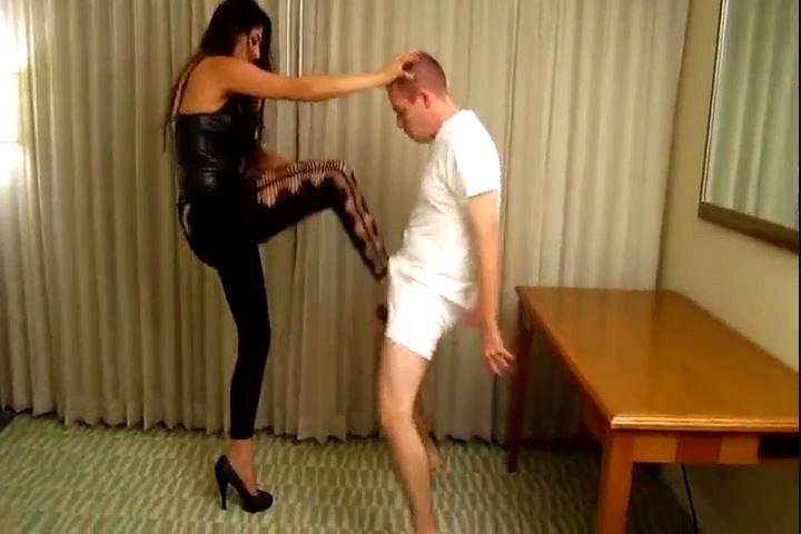 Mistress Jasmine Mendez In Scene: Amazon Latina Ballbusting - CRUDELIS AMATOR BALLBUSTING FETISH - SD/480p/MP4