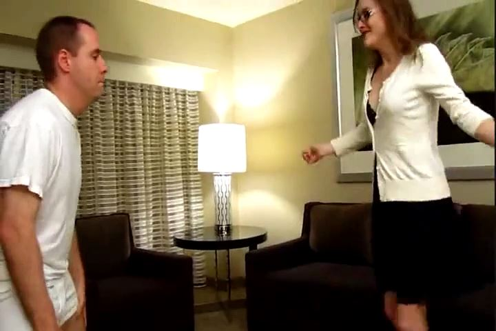 Miss Lauren Kiley's 1st Ballbusting Experience - CRUDELIS AMATOR BALLBUSTING FETISH - SD/480p/MP4