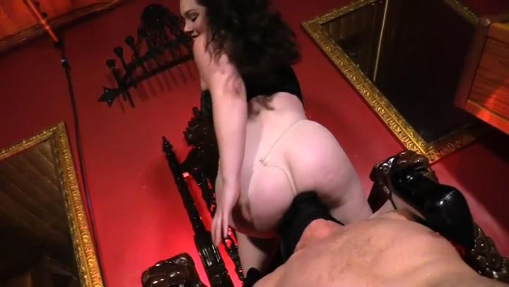 Mistress Hannah Hunt In Scene: PANTYHOSE THRONE - CYBILL TROY`S DTLA DOMINAS - SD/406p/MP4
