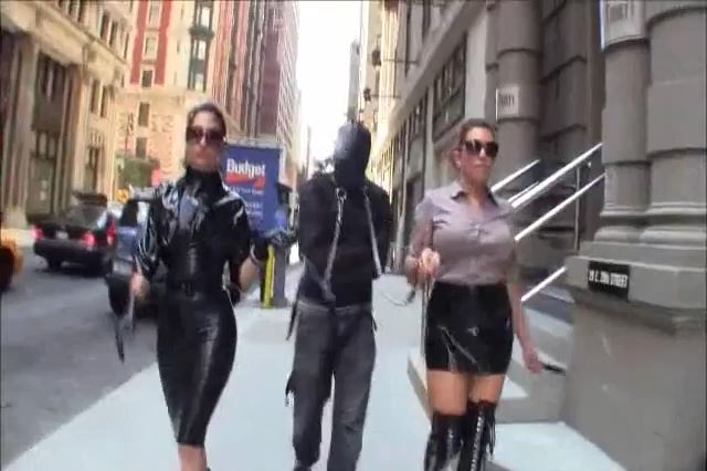 Elena Deluca In Scene: WALKING THE GIMP: OUTDOOR HUMILIATION - CYBILL TROY`S DTLA DOMINAS - SD/426p/MP4