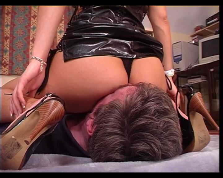 Mistress Vixen 2 - DEADLYFEMALES - SD/576p/MP4