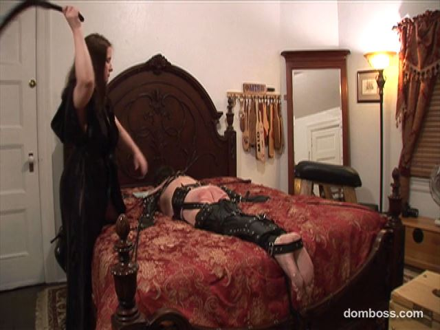 Domina Irene Boss In Scene: The American Governess in the Bedroom - DOMBOSS / MIB PRODUCTIONS - SD/480p/MP4