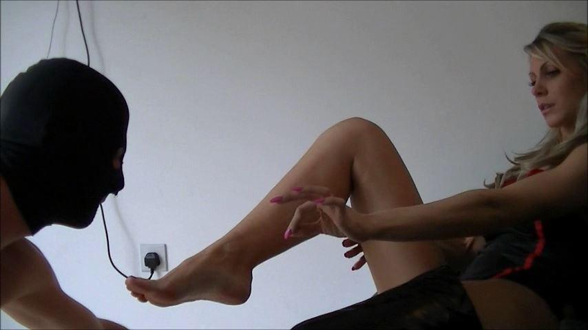 UK Mistress Elise In Scene: Impress Me Foot Slut -  ELISE BULLIES BALLS UK - SD/480p/MP4