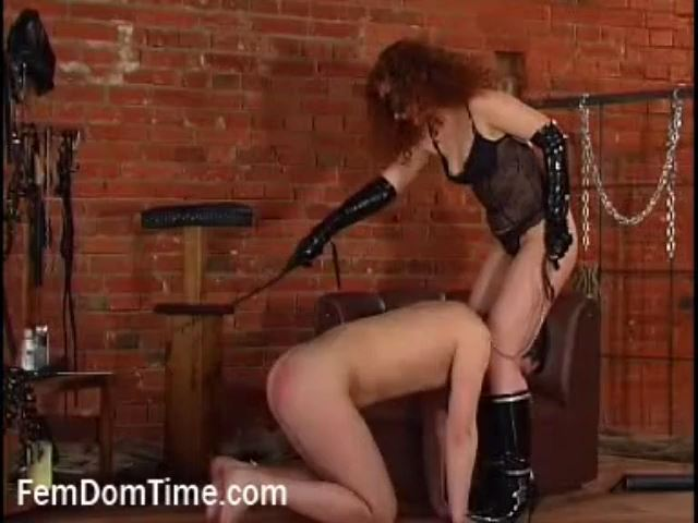 Mistress Glenda In Scene: Tongue games - FEMDOMTIME - SD/480p/MP4