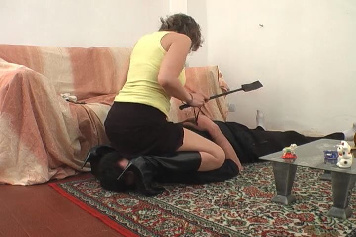 Mistress Dolly In Scene: Owned - FEMRACE / DOMINANT GIRLS - SD/480p/MP4
