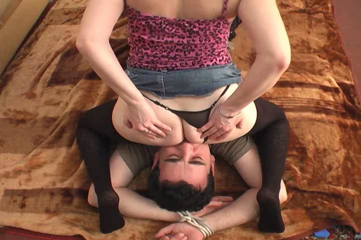 Mistress Dana In Scene: Pain Balls 4 - FEMRACE / DOMINANT GIRLS - SD/480p/MP4