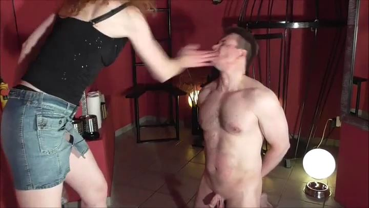 LADY RONJA In Scene: EXTREMELY HARD FACESLAPPING - DEUTSCHE DOMINAS / GERMANY FEMDOM - SD/406p/MP4