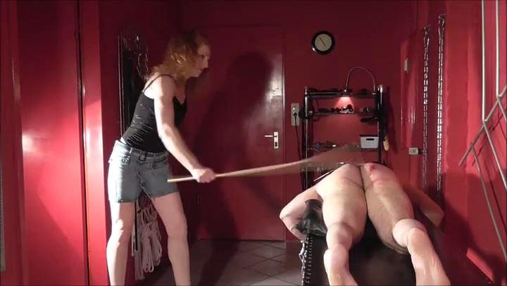LADY RONJA In Scene: 250 PIPES - DEUTSCHE DOMINAS / GERMANY FEMDOM - SD/406p/MP4