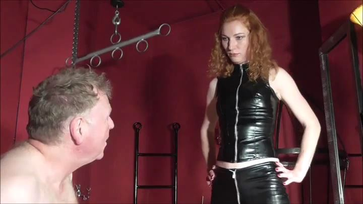 LADY RONJA In Scene: CROWN ON THE CROSS CHAIR - DEUTSCHE DOMINAS / GERMANY FEMDOM - SD/406p/MP4