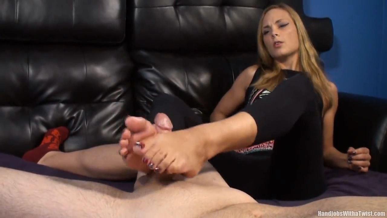 Jenny Jett In Scene: Jerked by Her Soft Feet - HANDJOBSWITHATWIST - HD/720p/MP4