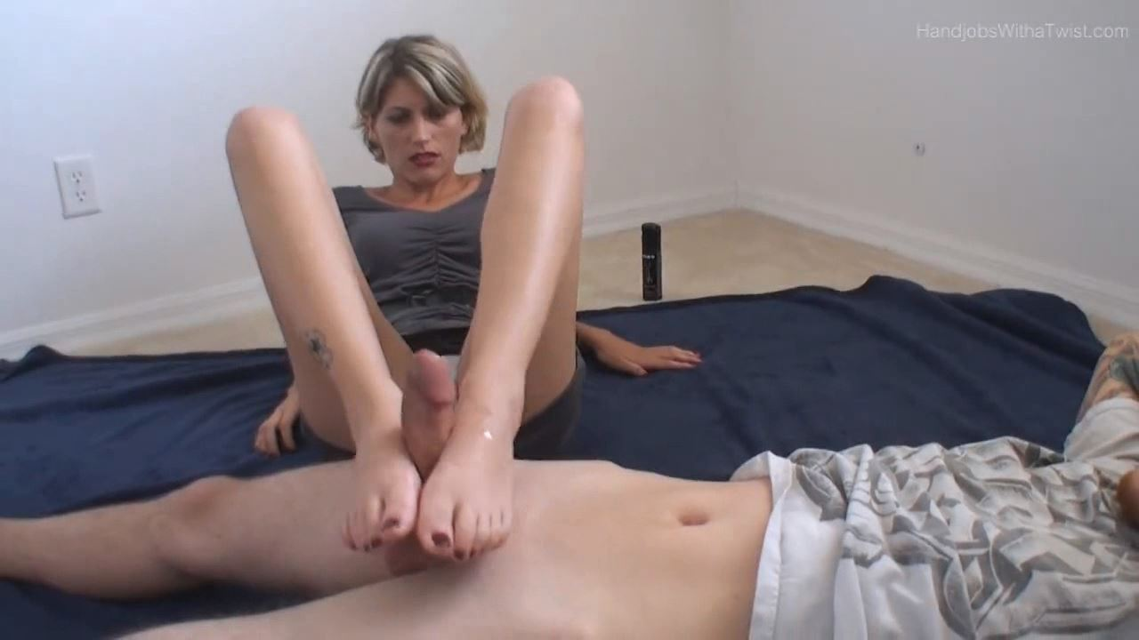 Anna In Scene: Accidental Ruined Footjob Orgasm - HANDJOBSWITHATWIST - LQ/384p/MP4