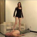 Megan is trampling ladiesfloor with her bare feet – HEADUNDERHEELS – HD/720p/MP4