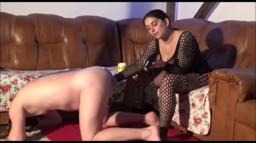 MISTRESS ROBERTA In Scene: PROSTATE TEASING FOR MY CHASTITY SLAVE PART 1 - HOUSE OF PAIN - SD/480p/MP4