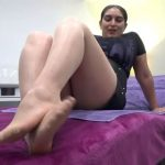 MISTRESS ROBERTA In Scene: WORSHIP MY FEET IN SKIN COLOUR PANTYHOSE – HOUSE OF PAIN – LQ/384p/MP4