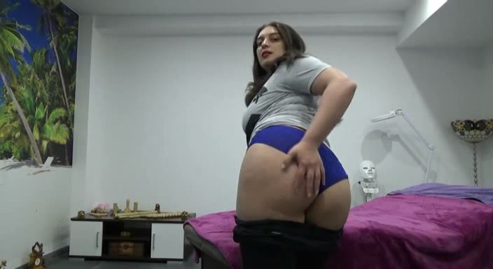 MISTRESS ROBERTA In Scene: WORSHIP AND CLEAN MY SWEATY ASS AFTER RIDING - HOUSE OF PAIN - LQ/384p/MP4