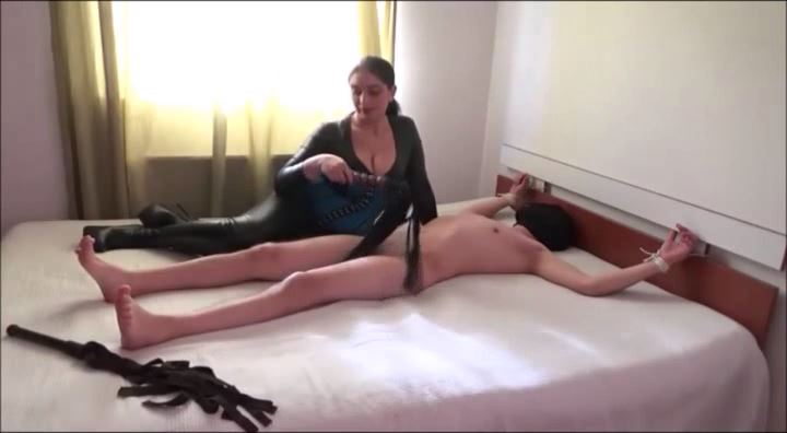 MISTRESS ROBERTA In Scene: CORPORAL PUNISHMENT AND TEASE AND DENIAL PART 2 - HOUSE OF PAIN - LQ/396p/MP4