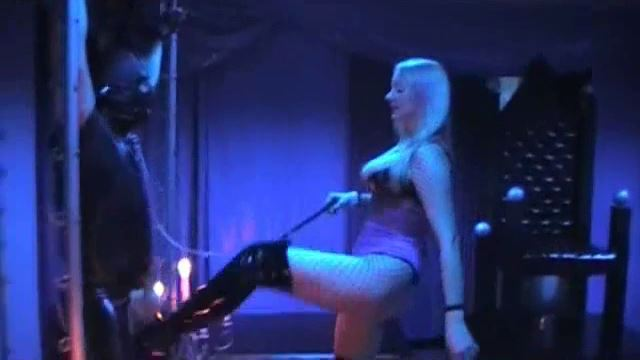 MISTRESS DIVINA In Scene: BALLDESTRUCTION PART 1 - KILLERKICKS BALLBUSTING / NORTHCOAST PRODUCTIONS - LQ/360p/MP4